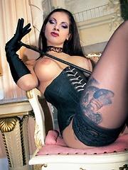 Tattooed leather fetish queen Patty Brandon