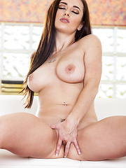 Taylor Vixen gets naughty celebrating New Year's day